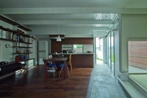 20130613小路の家_キッチンとつながる空間